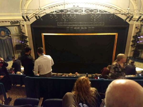 Ambassador Theatre, vak: Rear Mezzanine C, rij: C, stoel: 106