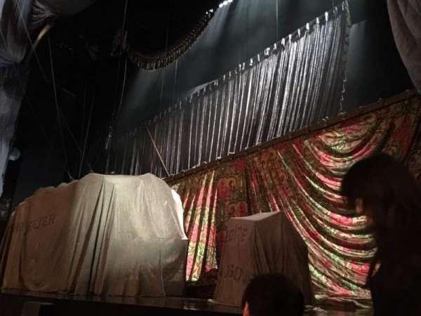Majestic Theatre, vak: Orchestra Right, rij: BB, stoel: 8
