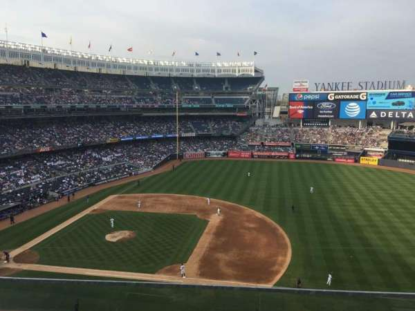 Yankee Stadium, vak: 314, rij: 2