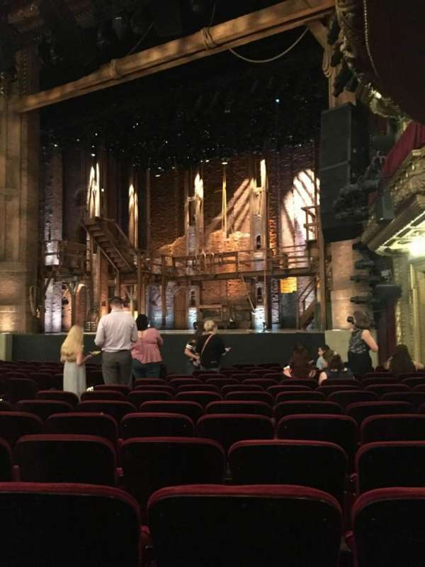 CIBC Theatre, vak: Orchestra R, rij: P, stoel: 16