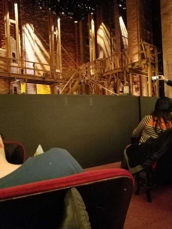 CIBC Theatre, vak: ORCH-L, rij: D, stoel: 1