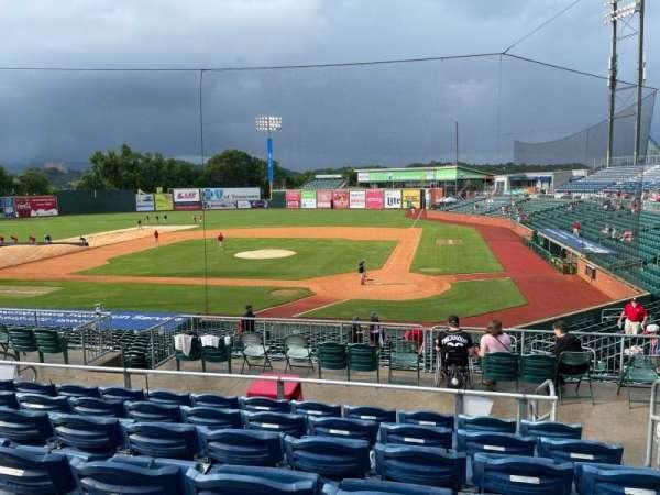 AT&T Field, vak: 214, rij: T, stoel: 2