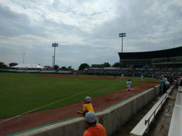 Nelson W. Wolff Municipal Stadium, vak: 121, rij: d, stoel: 6