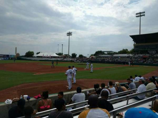 Nelson W. Wolff Municipal Stadium, vak: 115, rij: f, stoel: 15