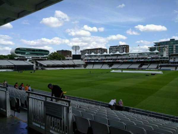 Lord's Cricket Ground, rij: 12, stoel: 32