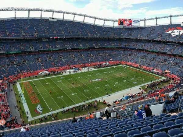 Empower Field at Mile High Stadium, vak: 539, rij: 18, stoel: 14