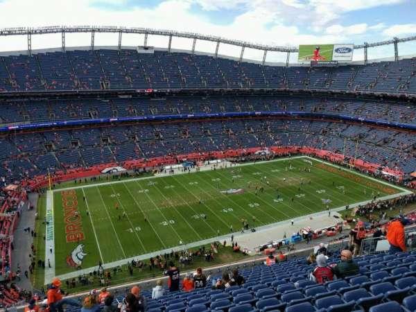 Empower Field at Mile High Stadium, vak: 538, rij: 16, stoel: 21