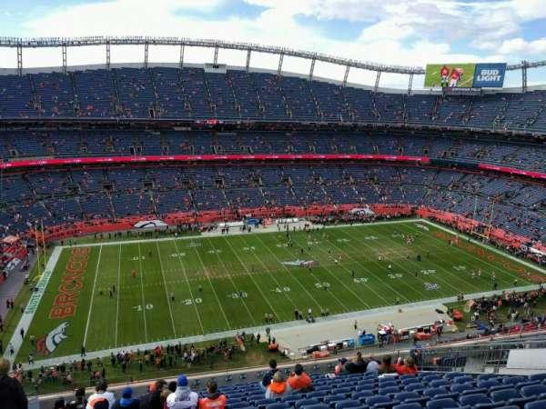 Empower Field at Mile High Stadium, vak: 537, rij: 14, stoel: 21