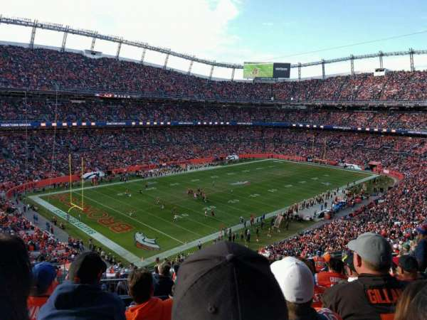 Empower Field at Mile High Stadium, vak: 345, rij: 16, stoel: 15