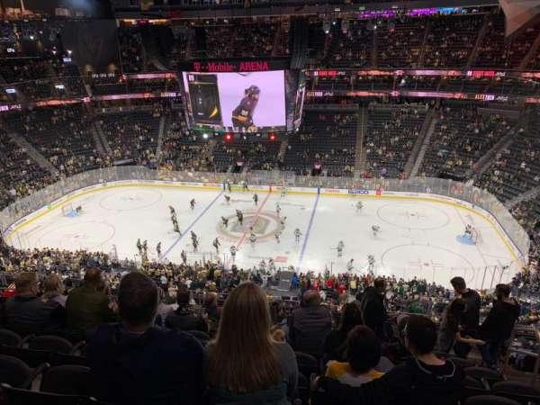 T-Mobile Arena, vak: 206, rij: K, stoel: 15