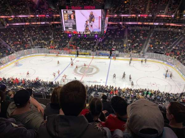T-Mobile Arena, vak: 224, rij: F, stoel: 10