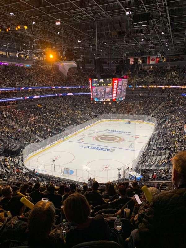 T-Mobile Arena, vak: 103, rij: M, stoel: 10