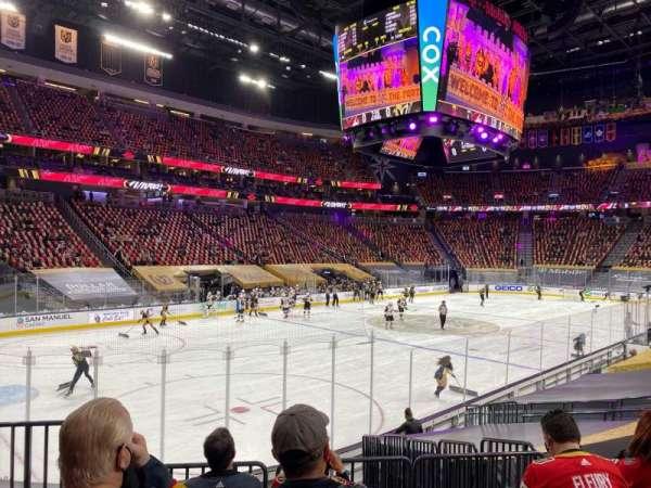 T-Mobile Arena, vak: 13, rij: K, stoel: 2