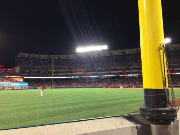 Angel Stadium, vak: F103, rij: A, stoel: 5