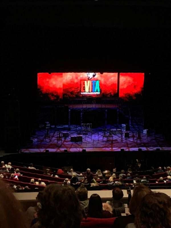 BJCC Concert Hall, vak: TierC, rij: JJ, stoel: 204