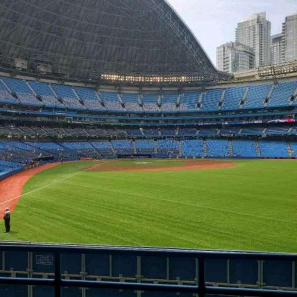 Rogers Centre, vak: 107L, rij: 3, stoel: 103