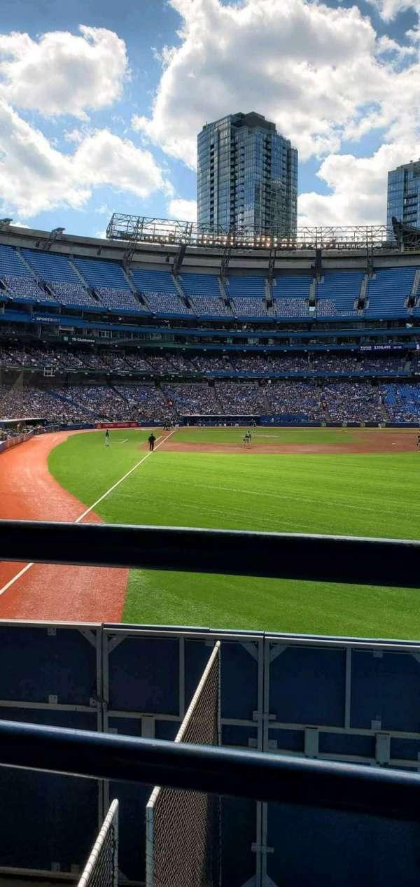 Rogers Centre, vak: 108R, rij: 1, stoel: 2