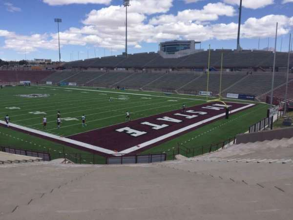 Aggie Memorial Stadium, vak: D, rij: 18