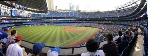 Rogers Centre, vak: 237R, rij: 2, stoel: 7