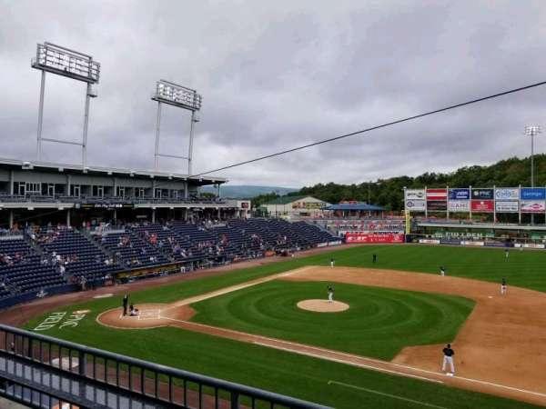 PNC Field, vak: 200, rij: 2, stoel: 4