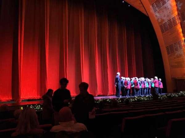 Radio City Music Hall, vak: Orchestra 6, rij: KK, stoel: 604