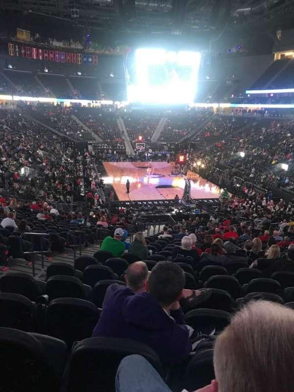 T-Mobile Arena, vak: 10, rij: Z, stoel: 5