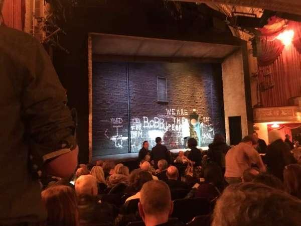 Bernard B. Jacobs Theatre, vak: Orchestra Left, rij: M, stoel: 19