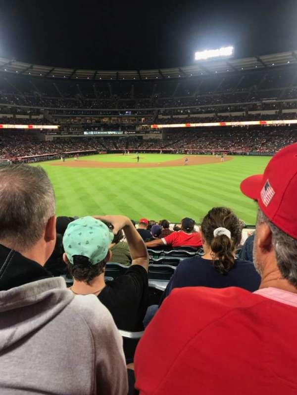 Angel Stadium, vak: 239, rij: M, stoel: 17