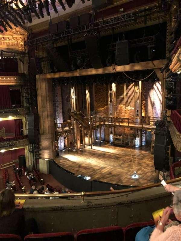 CIBC Theatre, vak: Mezz R, rij: D, stoel: 16