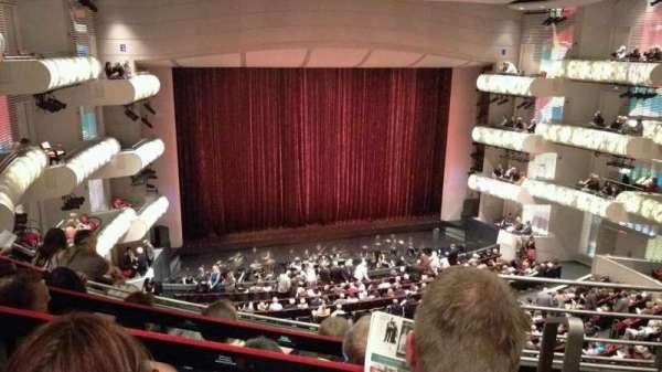 Muriel Kauffman Theatre, vak: Grand Tier Left, rij: EEE, stoel: 916