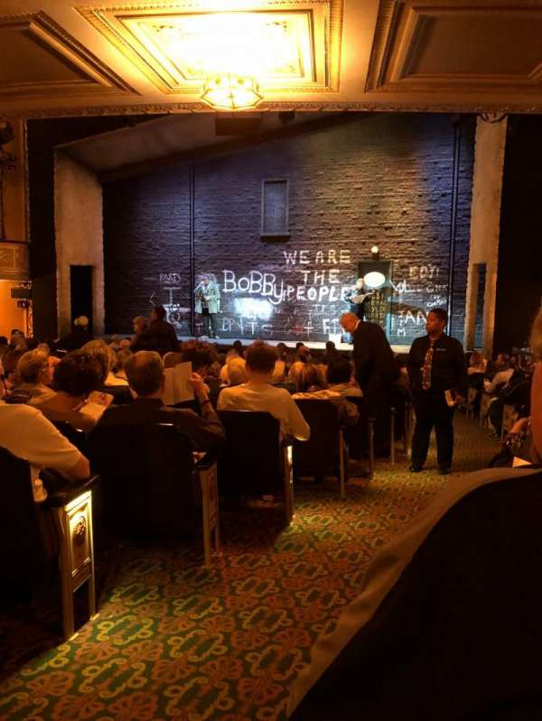 Bernard B. Jacobs Theatre, vak: Orch, rij: P, stoel: 2