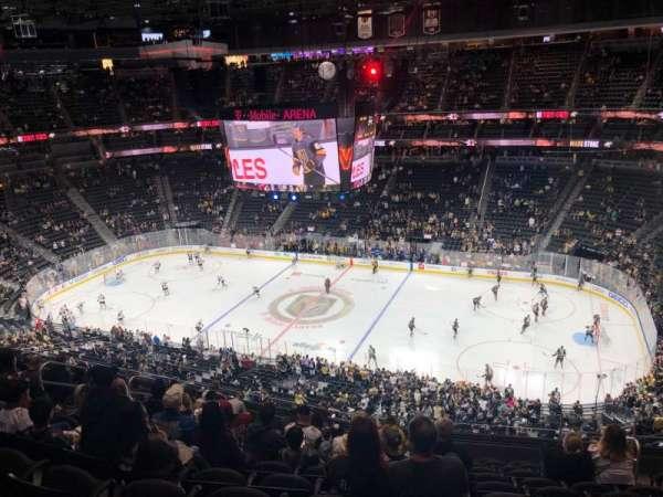 T-Mobile Arena, vak: 225, rij: L, stoel: 13