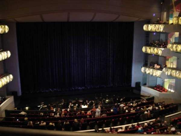 Muriel Kauffman Theatre, vak: Grand Terrance, rij: BBB, stoel: 103