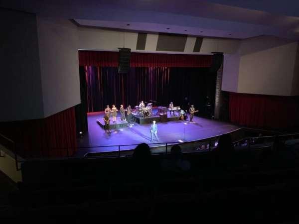 Downey Theatre, vak: Balcony Left, rij: FF, stoel: 1