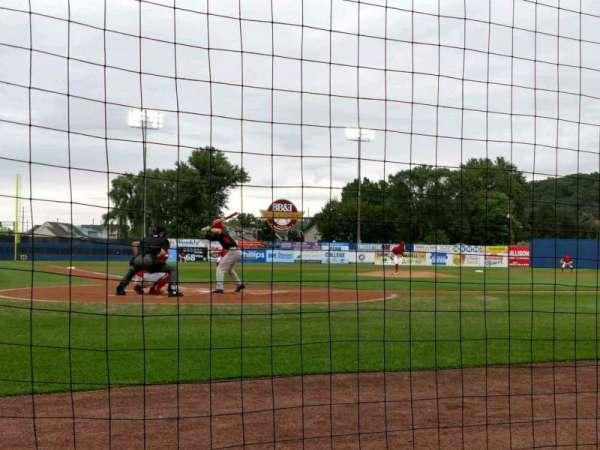BB&T Ballpark at Historic Bowman Field, vak: F, rij: B, stoel: 4