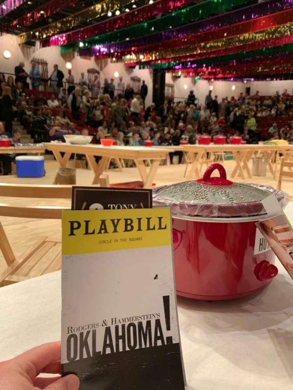 Circle in the Square Theatre, vak: ORCH, rij: FL, stoel: 401