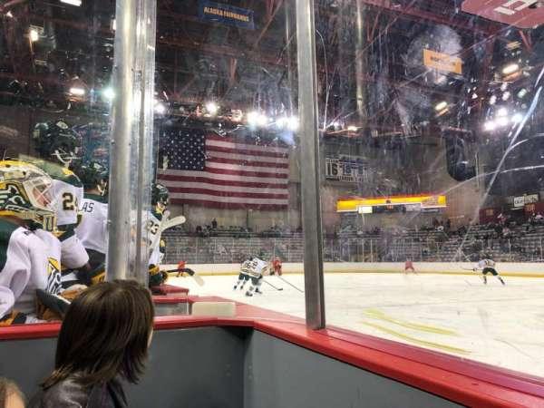 Sullivan Arena, vak: 109, rij: 4, stoel: 3
