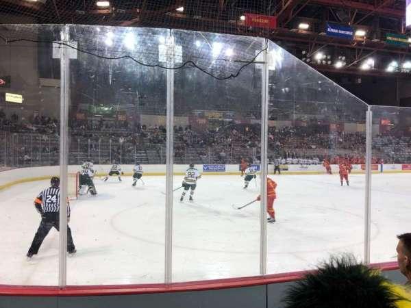 Sullivan Arena, vak: 106, rij: 7, stoel: 6