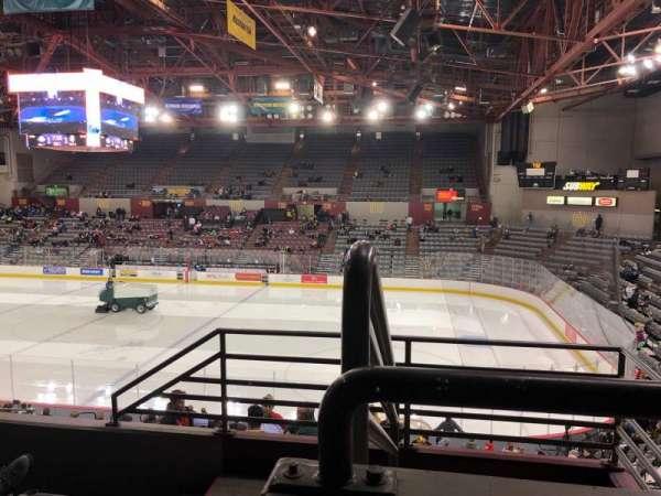 Sullivan Arena, vak: 218, rij: 4, stoel: 12