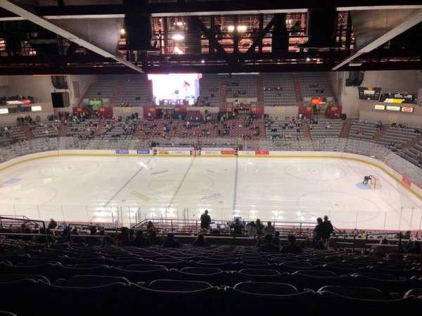 Sullivan Arena, vak: 214, rij: 17, stoel: 5