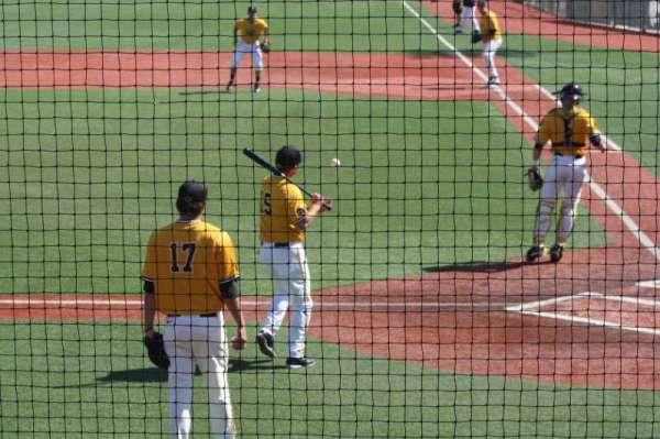 Frank Myers Field, vak: GA, rij: GA, stoel: GA