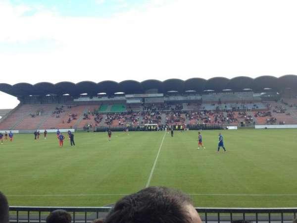 Stade Raymond Kopa, vak: St Léonard centrale, rij: Esc6 Rang D, stoel: 104
