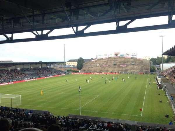 Stade Raymond Kopa, vak: Coubertin A, rij: AD, stoel: 15