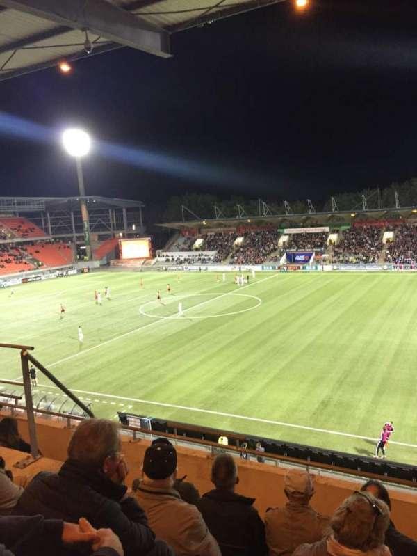 Stade Du Moustoir, vak: Tribune J.Floch 16, rij: ZA, stoel: 180