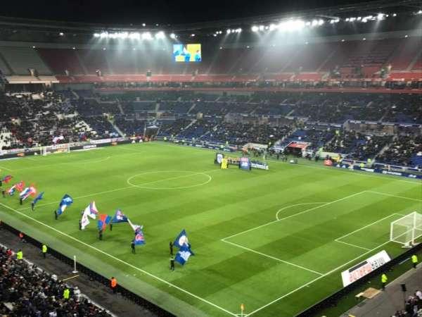 Parc Olympique Lyonnais, vak: 401, rij: 2, stoel: 1