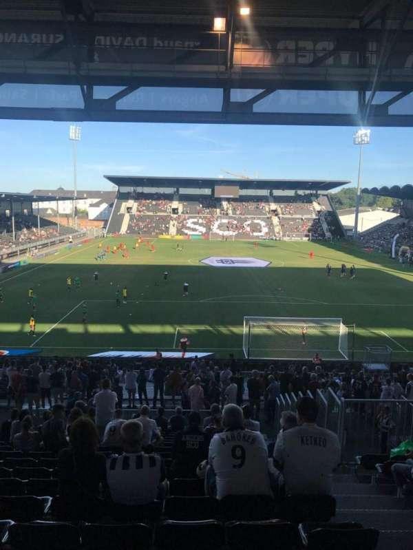 Stade Raymond Kopa, vak: Coubertin, rij: AD, stoel: 110