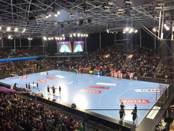 Palais des Sports de Beaulieu, vak: 113B, rij: R, stoel: 187