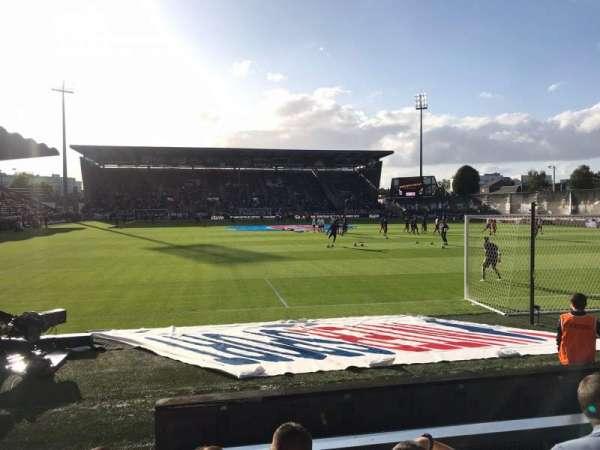 Stade Raymond Kopa, vak: Colombier B, rij: F, stoel: 15