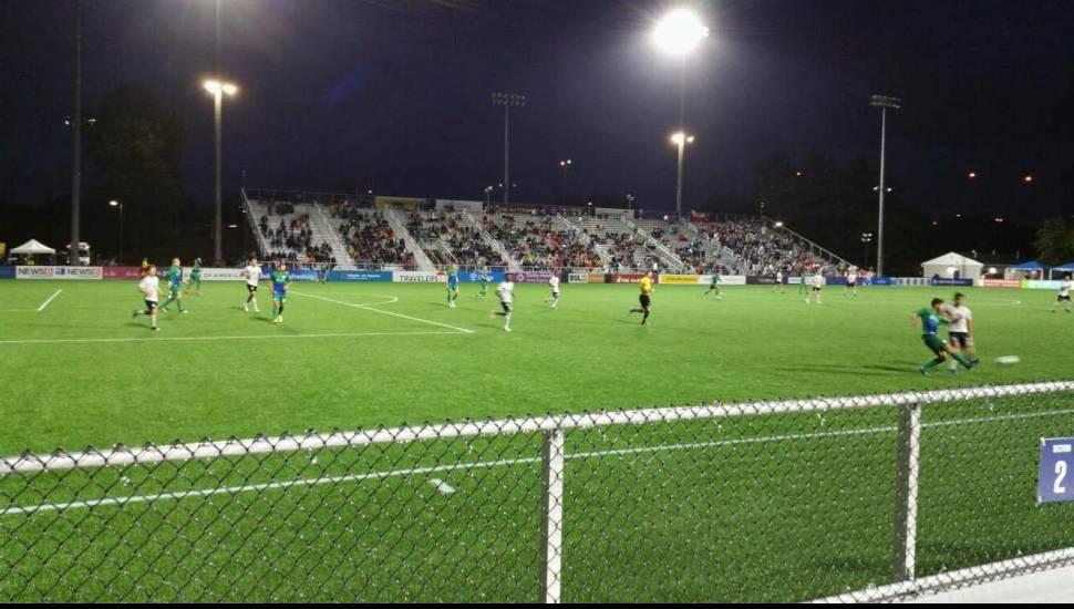 Dillon Stadium,  Vak <strong>111</strong>, Rij <strong>N</strong>, Stoel <strong>1</strong>