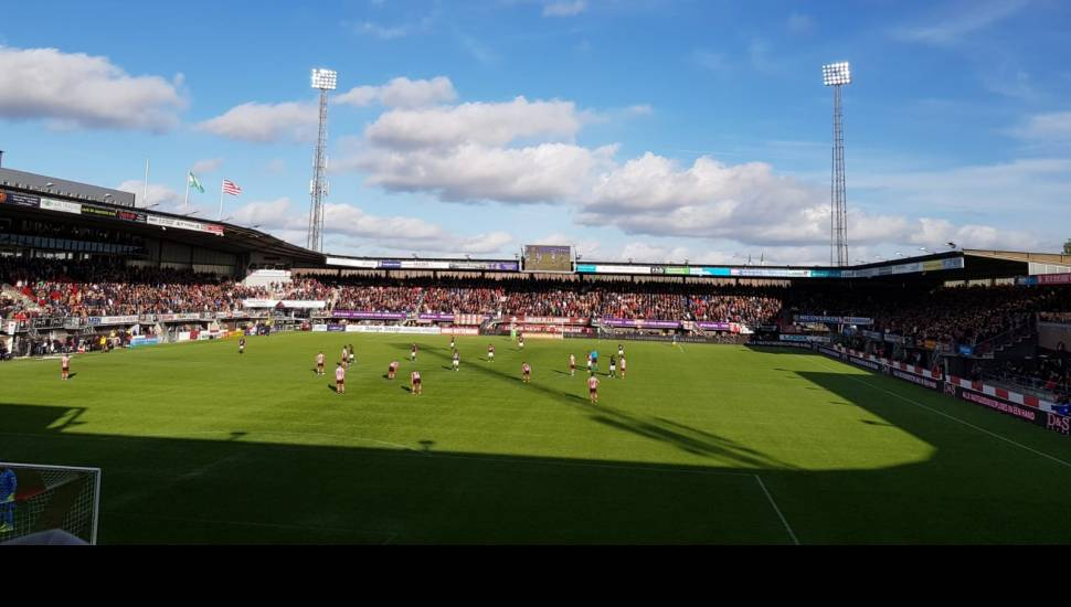 Sparta Stadion,  Vak <strong>B</strong>, Rij <strong>85</strong>, Stoel <strong>2</strong>
